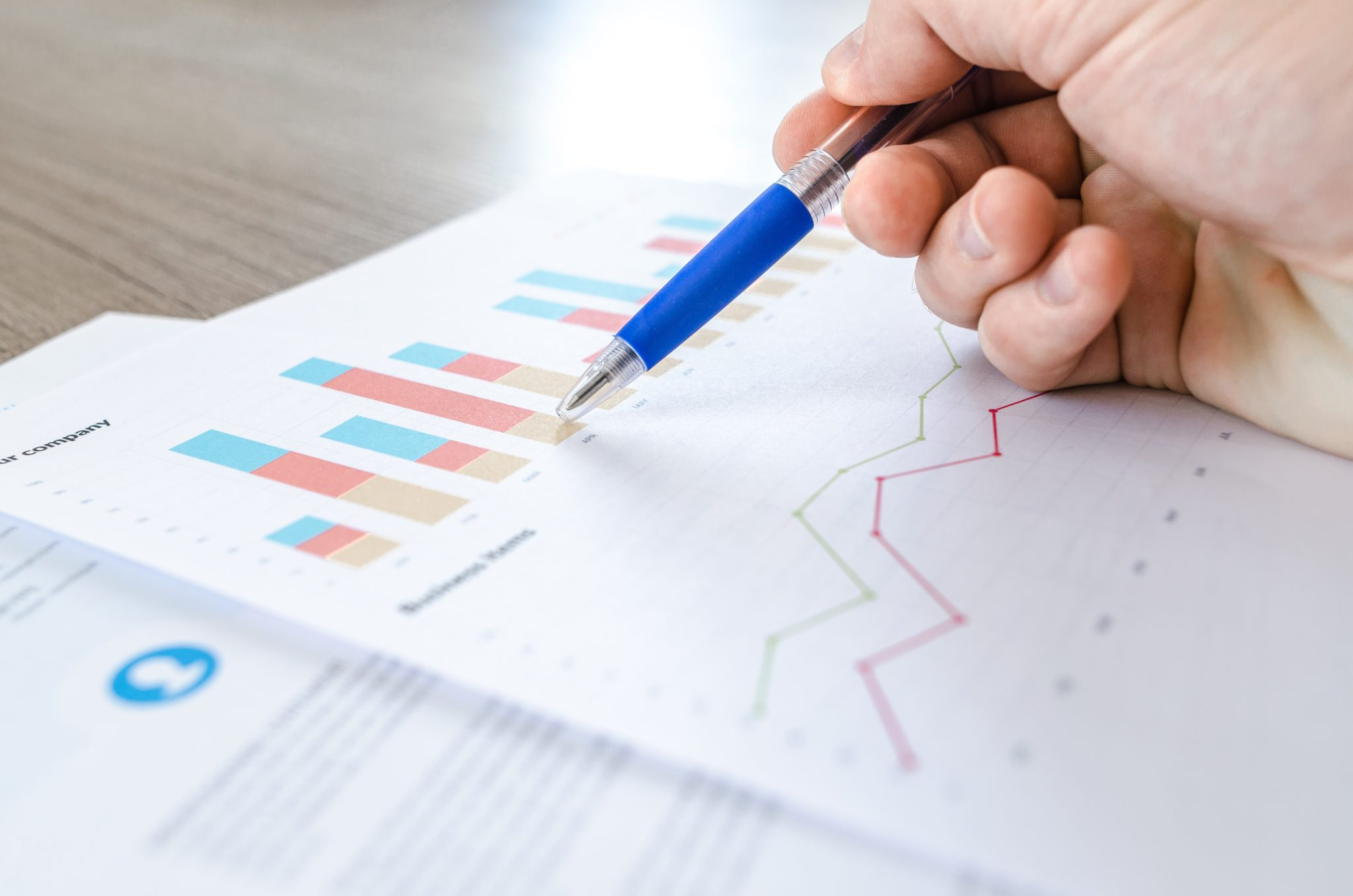 chart-data-desk-590022