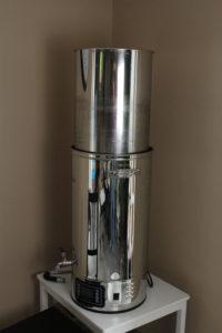 Cuve automatisée Klarestein : montée du panier pour filtration